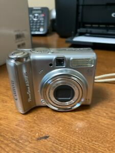 Canon PowerShot Digital Camera A570 IS 7.1 MP Silver 4X Optical Zoom WORKS WELL