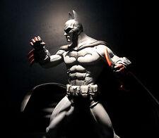 DC: Batman Arkham City: BATMAN statue - RARE