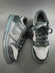 Nike Mens Sb Zoom Dunk Low Pro Sneakers Black Lace Up (429661-007) Youth Sz. 5Y