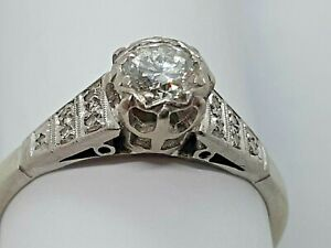 Vintage 18 ct/plat and diamond ring 0.35 carats.