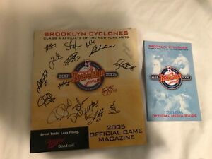 Brooklyn Cyclones 2005 Official magazine 17 autographs +2005 media guide