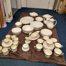 More details for royal doulton the romance collection diana 81x piece dinner service collect rg45