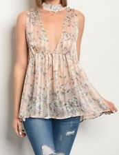 Sleeveless plunging neckline printed choker top Small, NWT,