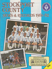 Football Programme>STOCKPORT COUNTY v WIGAN ATHLETIC Feb 1982
