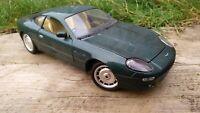 Guitoi 1:18 Aston Martin DB7 Racing Green Diecast Toy Car Vintage Model & Plinth