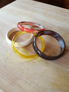Vintage resin/plastic lot 4 bracelets