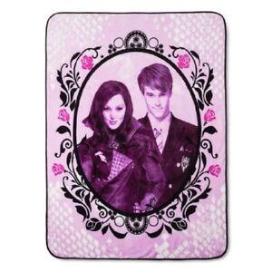 NEW Auradon Disney Descendants Mal & Ben Plush Fleece Throw Gift Blanket Pink