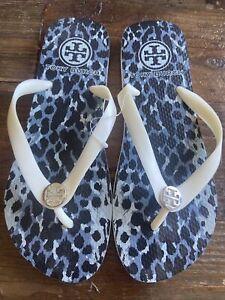 Tory Burch Thick Rubber Flip Flop 8 White Silver Reva Logo Animal Print Sandal