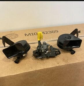 Lincoln FORD OEM 16-18 MKX Hood-Lock Latch & Horn RT& LT FA1Z16700A 3 Items OEM