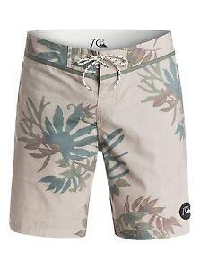 """Quiksilver Scorpion Forest 19"""" Boardshorts Swimwear Sz 32"""