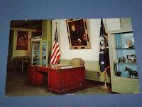 VINTAGE FDR PRESIDENT FRANKLIN D. ROOSEVELT HYDE PARK    NEW YORK   POSTCARD