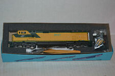 Athearn 4915 C&NW Chicago & NorthWestern C44-9w  Powered locomotive Ho Scale kit