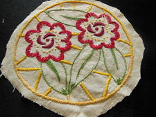 grosse broderie ancienne fleur bouquet  ronde creation incrustation recup main