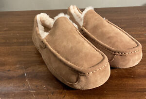 UGG ASCOT 1101110 MEN CHESTNUT SUEDE SLIPPERS SIZE 11 (100% AUTHENTIC) BRAND NEW