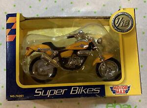 Motor Max SUPER BIKES 1/18 Magna Honda