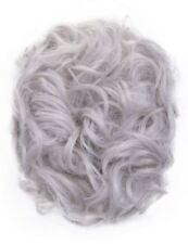 Perruques, extensions et matériel cheveux synthétiques gris bouclés pour femme