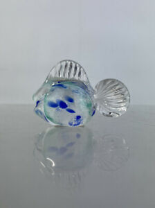 Paul Critchley Isle Sculptured Glass Fish Art Glass Paperweight Ornament Diamond
