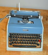 VINTAGE 60'S BLUE UNDERWOOD 21 PORTABLE MANUAL TYPEWRITER & CASE - MADE IN ITALY