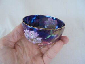 A SUPERB SMALL MALING BOWL ~ DECORATED IN THE 'AZALEA ' PATTERN - GORGEOUS !