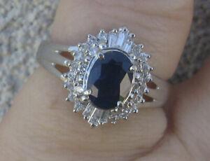 Very pretty Natural sapphire G-H Diamonds Platinum Cluster ring
