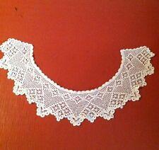 Vintage Delicate Crochet Collar