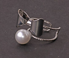 STUNNING FEMININE SILVER TONE CLASSY BOW & PEARL DOUBLE STATEMENT RING (CL24)