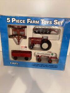 ERTL 1/32 CASE 5 PIECE FARM TOY SET 5042 IN ORIGINAL BOX VINTAGE 1987