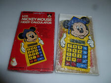 BOXED VINTAGE LCD MICKEY MOUSE KIDDY CALCULATOR RADIO SHACK TANDY 1985 60-2326 >