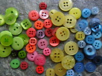 100 Stück Knopf Mix Kunststoff verschiedene Knöpfe/Größen-farblich sortiert-NEU