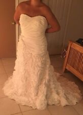 Gorgeous Floral Wedding Dress and underskirt, Galina Signiture, SV415, Size 18W