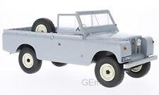 MDG MDG18092 - Land Rover 109 Pick up séries II gris / noir - 1959  1/18