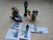 LEGO CITY CHRISTMAS SCENE- POLICE SNOWMOBILE CHASE COP ROBBER MONEY LAMPOST