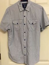 Threads & Heirs Short Sleeve Size M