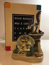 Extremely Rare! Looney Tunes Road Runner & Wile E Coyote Figurine Globe Statue