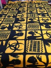 FLEECE KNOTTED BLANKET- ZOMBIES Invasion - Gold & Black