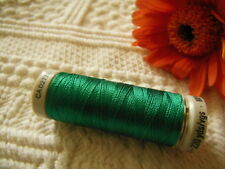 bobine FIL à broder Gudermann 200 m vert lumineux  col 8220 couture