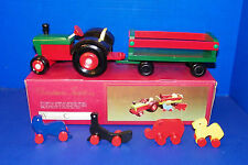 Windsor Collection Christmas Tractor Red Green Wooden Display Wagon Circus Zoo
