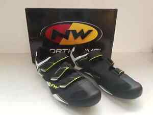 1 paire de Chaussures vélo route homme Northwave Sonic 2 taille 45 neuf -40%