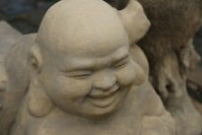 Buddha reisend groß frostfester Steinguss patiniert Teichdekoration