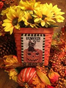 "Primitive Folk Art Punch Needle Paper Pattern, ""Big Tom Pumpkin Seeds"""