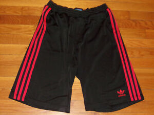 ADIDAS TREFOIL BLACK/RED ATHLETIC SHORTS MENS LARGE NICE CONDITION