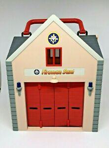 Fireman Sam Deluxe Fire Station Folding Carry-Along Playset 2015
