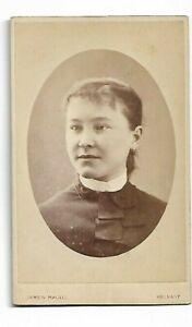 Non Identifié Femme ; Photo Par J Magill, Belfast (4263)