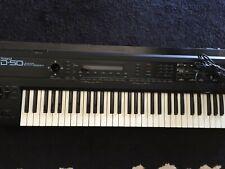 Keyboard ROLAND D50 Linear Synthesizer mit Bedienungsanleitung und Netzkabel