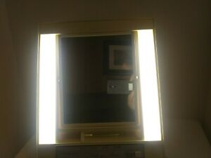 Vintage General Electric GE 2 Sided Makeup Mirror 4 Light Settings Magnifying