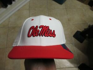 NIKE OLE MISS REBELS DRI-FIT FLEX FIT HAT (MED/LRG) NWT $26 WHITE & RED RARE!