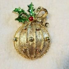 Gerry's Gold Tone Christmas Bulb Ornament Pin Brooch Holly Berries Bow