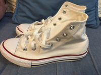 Chuck Taylor HIGH Tops Converse ALL-STAR Sneakers Youth Size 3 White Red Blue