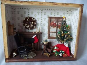 Rare Vintage Neiman Marcus Christmas shadow Box Very Detailed Living room