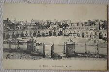 "CPA "" DIJON - Place d'Armes - L.V."